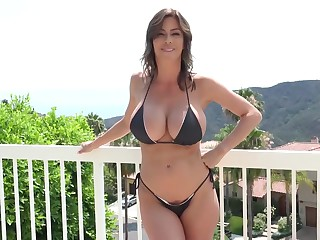 Busty milf, Alexis Fawx got naked and gave a head to one of her neighbors