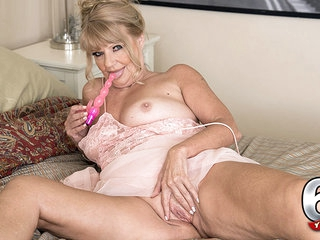 Saucy Aussie Granny Invites You To Play - Mia Magnusson - 60PlusMilfs
