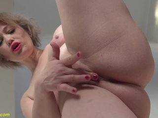 Mom Masturbate On Stairway