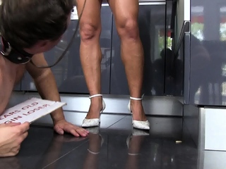 Mistress summer want him eat from floor