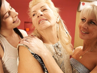 Three Old And Young Lesbians Have Fun On The Bed - MatureNL