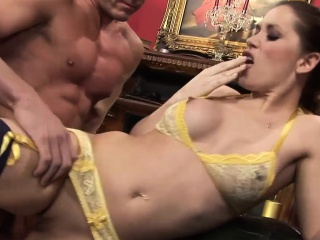 Ravishing Anaya rides on a long member